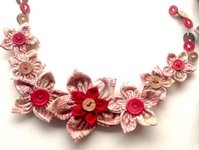 Art from the Heart Kanzashi Necklace